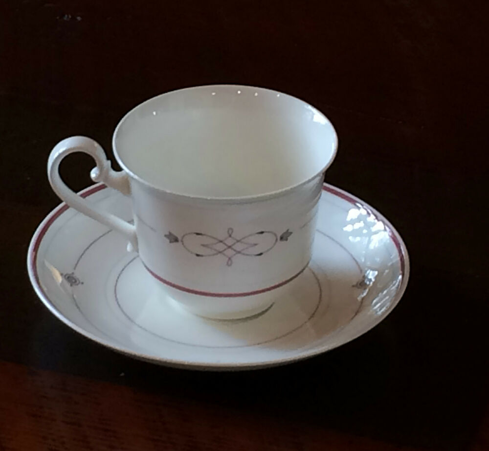 villeroy boch aragon bone china cup and saucer heinrich germany. Black Bedroom Furniture Sets. Home Design Ideas