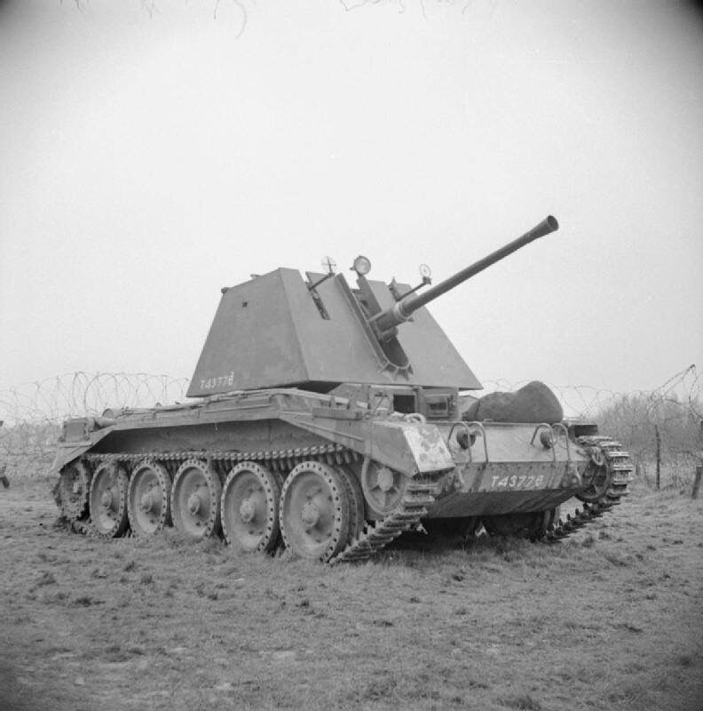 German 50 Mm Anti Tank Gun: WWII B&W Photo British Crusader AA Tank 40mm Bofors