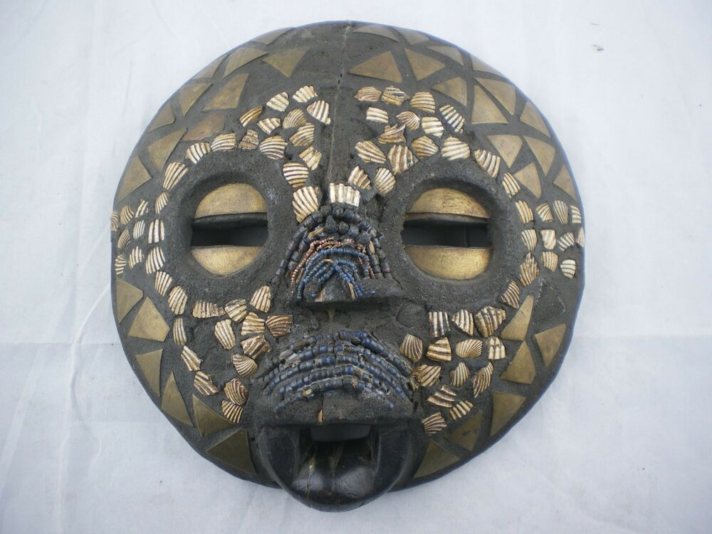Round Wood African Face Mask Wall Decor Brass Shell Bead