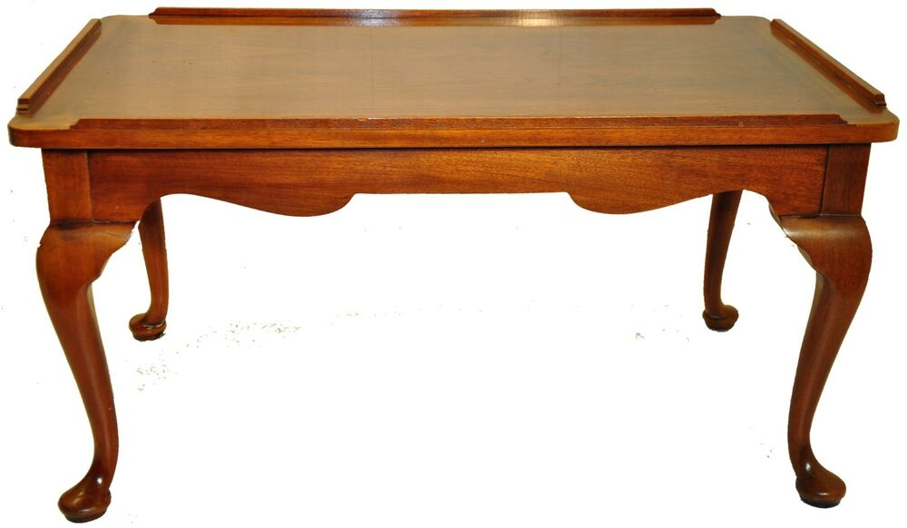 Great Queen Anne Walnut Coffee Table With 2 Pull Out Slides Ebay
