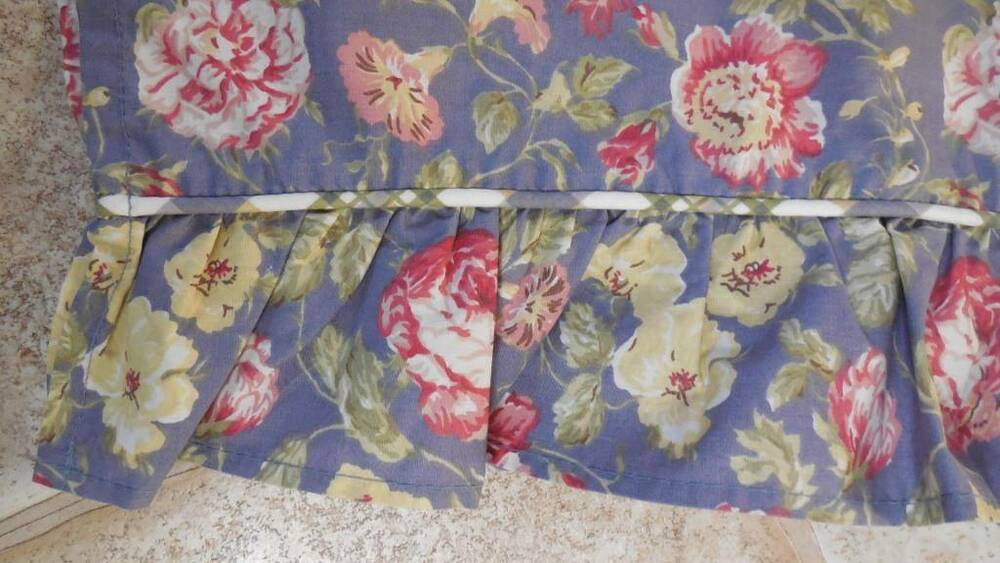 Waverly garden room blue red cream floral ruffled fabric for Garden rooms on ebay