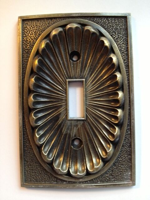 1 solid cast vintage antique metal wall switch plate cover outlet lighting plug ebay. Black Bedroom Furniture Sets. Home Design Ideas