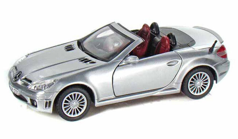 Mercedes benz slk55 amg silver motormax 73292 1 24 scale for Mercedes benz scale model cars