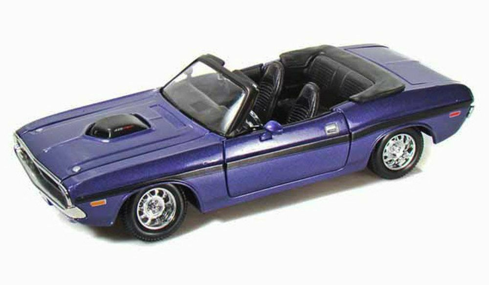 Jada Toys 2006 Dodge Magnum Rt 124 Scale: 1970 Dodge Challenger R/T Convertible Purple Maisto 31264