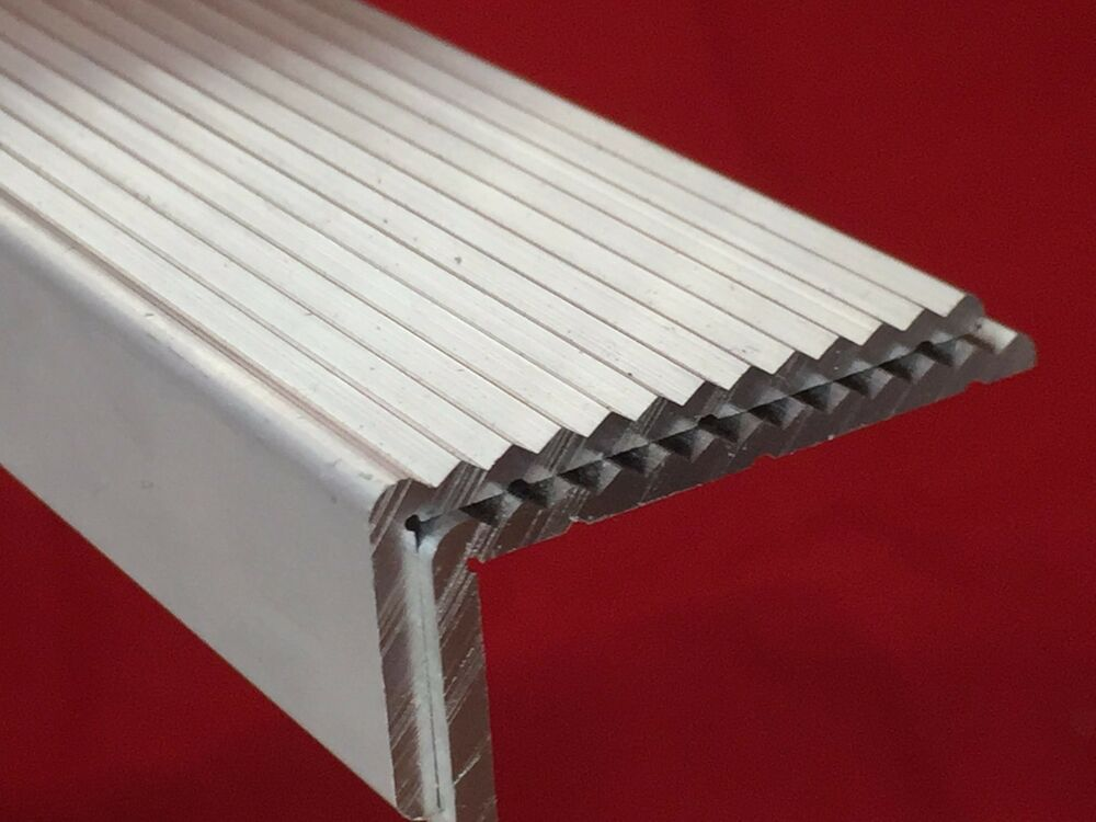 Aluminium Angle One Side Fluted Anti Slip Trim Stair