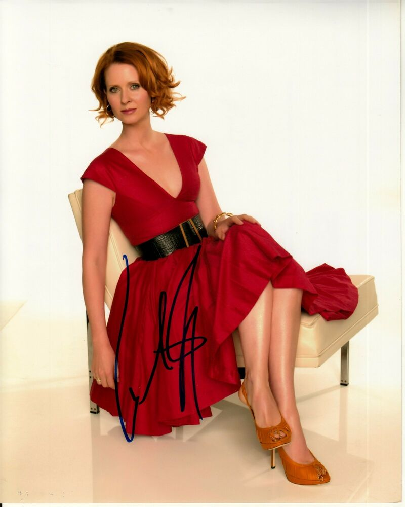 cynthia nixon signed sex and the city 8x10 w uacc rd coa sexy miranda portrait ebay. Black Bedroom Furniture Sets. Home Design Ideas