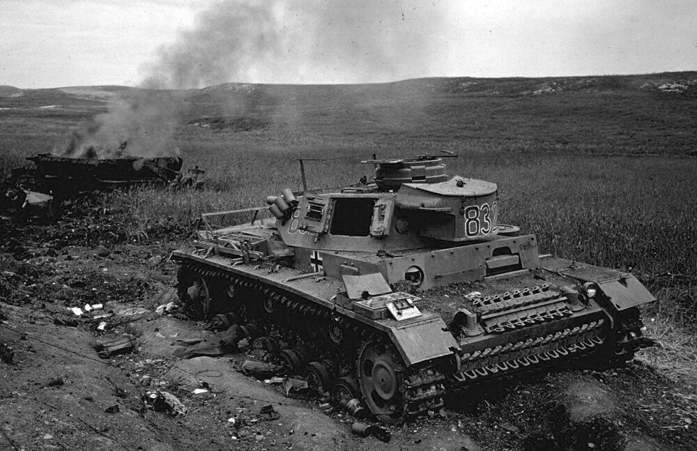 wwii b w photo destroyed german panzer iv tank tunisia afrika korps ww2 4102 ebay. Black Bedroom Furniture Sets. Home Design Ideas