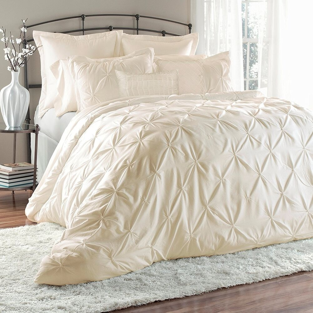 Bedding Decor: Luxurious 8-Piece Pinch Tuck Pleat Comforter Sets Bed In A
