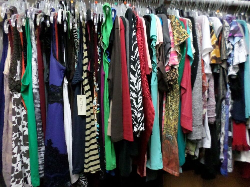 mixed lot of womens juniors clothing for resale thrift