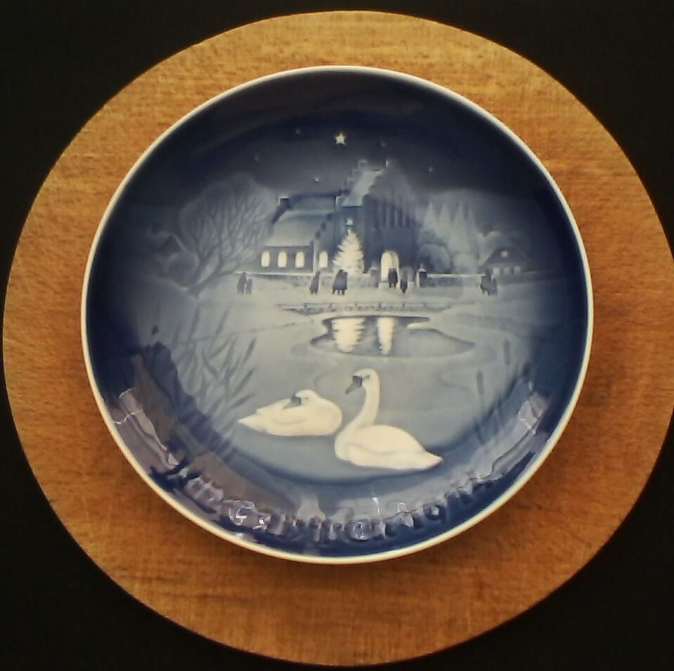 My Bing History: Bing & Grondahl Collectable Juleaften (Christmas Eve) 1974