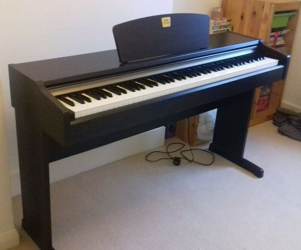yamaha clavinova clp 110 electronic piano ebay. Black Bedroom Furniture Sets. Home Design Ideas