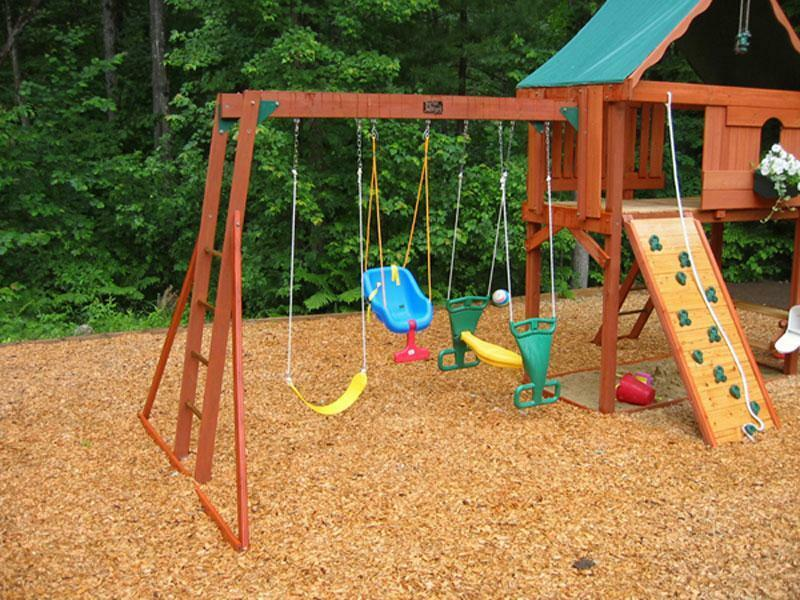 Softwood play area bark playground grade chippings wood