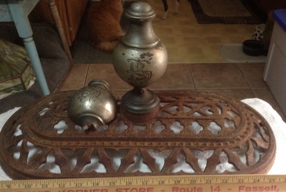 Antique Vintage Early Victorian House Cast Iron Vent Stove