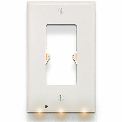 Snap Power White Outlet Cover With Led Sensor Nightlight