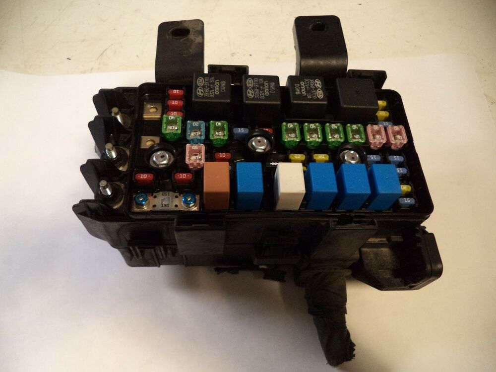 2009 10 Hyundai Sonata Gls 2 4l Under Hood Fuse Box Relay