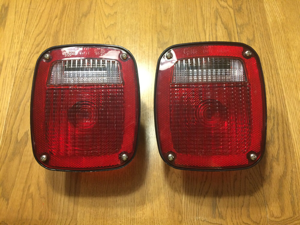 pair grote 5370 5371 ford rv trailer truck tail lights w. Black Bedroom Furniture Sets. Home Design Ideas