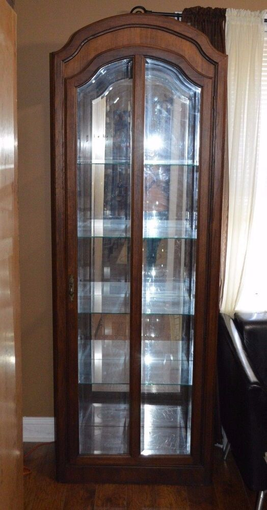 pulaski oak china cabinet closet display curio beveled glass lighted ebay. Black Bedroom Furniture Sets. Home Design Ideas