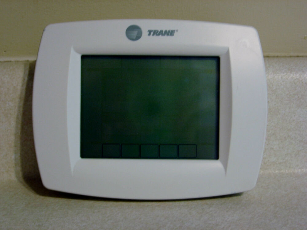 trane thermostat touch screen programmable lightly used th832ou1040 ebay. Black Bedroom Furniture Sets. Home Design Ideas