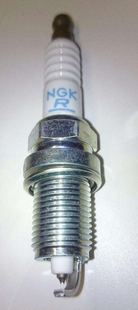 7742 New Platinum SPARKPLUGS 2x NGK SPARK PLUGS Part Number PZFR5N-11T Stock No
