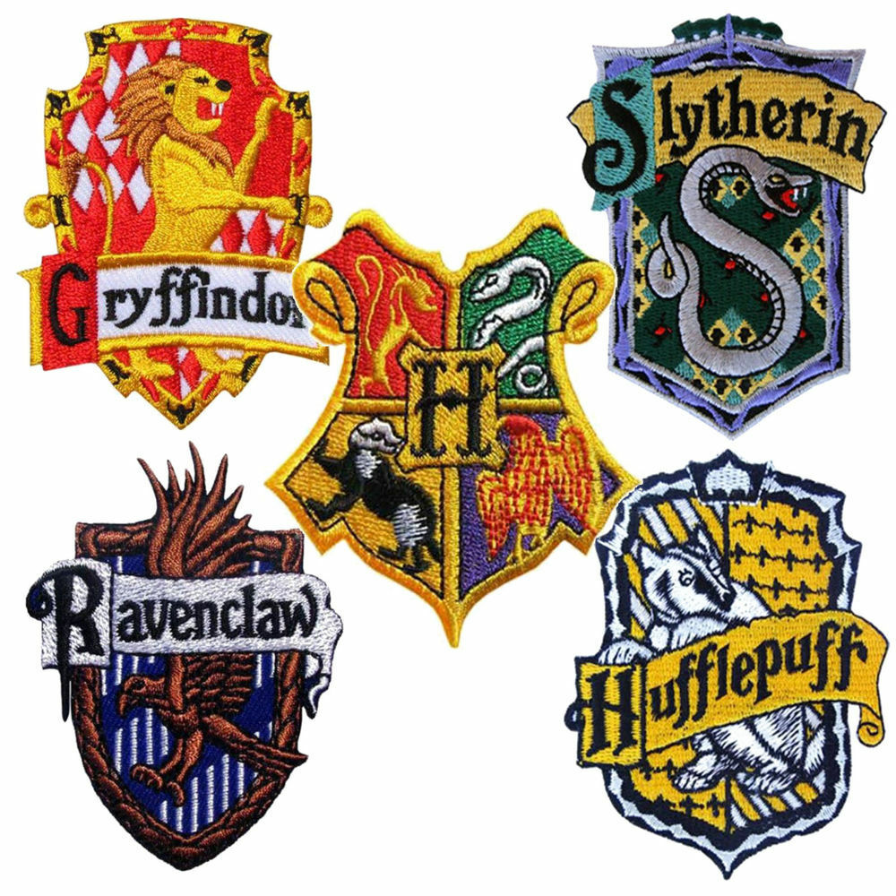 harry potter patch house badge crest embroidered iron sew on hogwarts gryffindor ebay. Black Bedroom Furniture Sets. Home Design Ideas