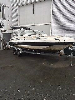 2006 Hurricane Sun Deck Powerboat w Trailer, Marblehead MA | No Fees, No Reserve