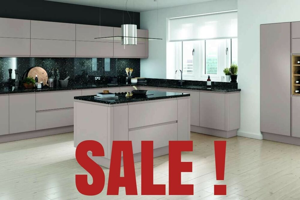 Complete Kitchen Package Lucente Matt Cashmere New Not Used Base Wall Cabinet Ebay