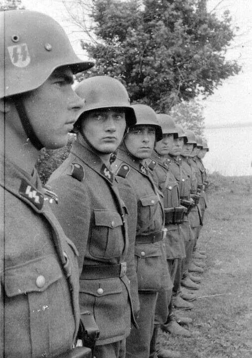 WW2 Photo WWII German Soldiers In Formation World War Two ...