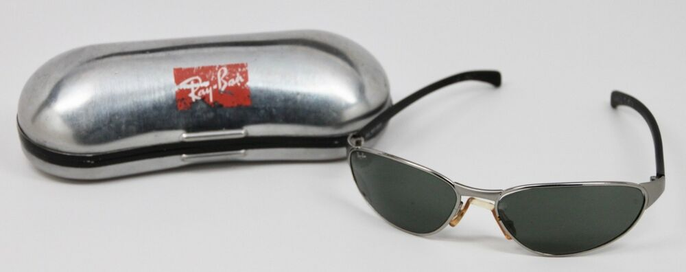 26260b6f20 Vintage Ray Ban BLUES BROTHERS 2000 Sunglasses   Metal Case