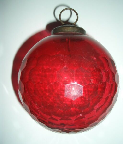 Vintage Flashed Glass Christmas Decoration - 8.5 cm diameter