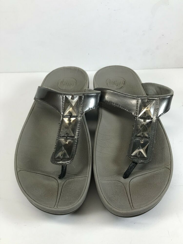 9c0b99682149 Details about Fitflop Women Sz 5 Pietra Thong Sandal Bling Patent Leather  Silver Pewter Toning