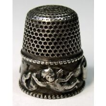 Antique Stern Bros Sterling Silver Cupid Special Thimble Cherubs Ribbons C 1900s