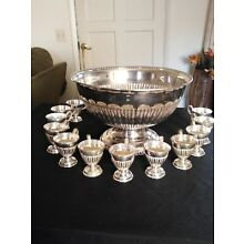 Stunning Wallace Silver Plate Punch Bowl &   12 Cups.  Perfect for the holidays.
