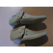 VINTAGE PAIR WOMENS SHOE FORMS/LASTS VULCAN SIZE 8B FROM 1966