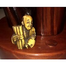 Chinese Exquisite Hand-Carved Old Man Holding Bamboo 1.5