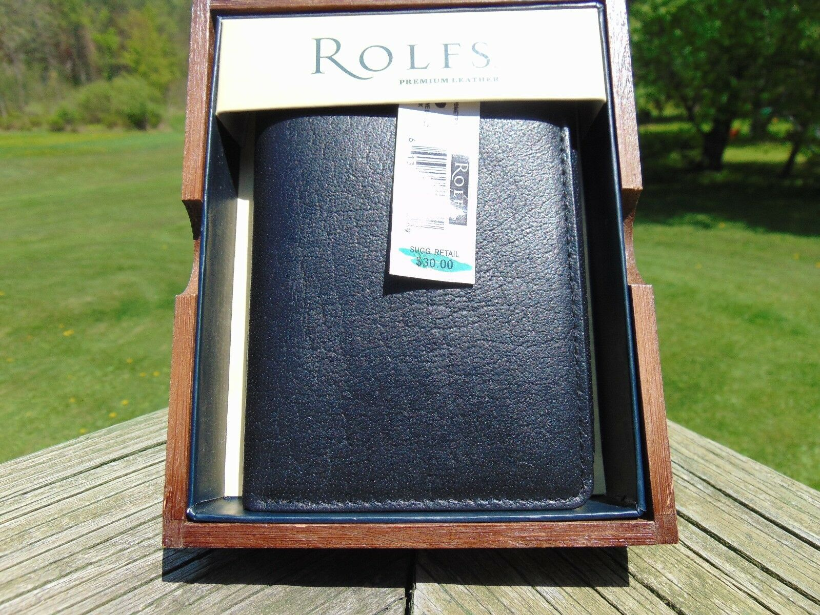 men black leather wallet by Rolfs new in box bi-fold WITH SILVER BUTTON