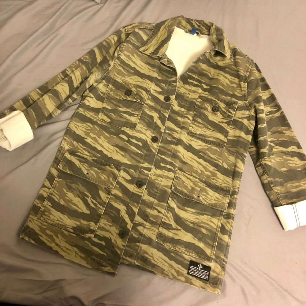 f183b015b8f06 Details about H&M Divided Man Camo Jean Jacket Small