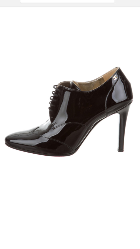 69911b3fb3d6 Details about New CHANEL Oxford Lace Up Heel Pump CC LG Patent Leather Bootie  Black  950