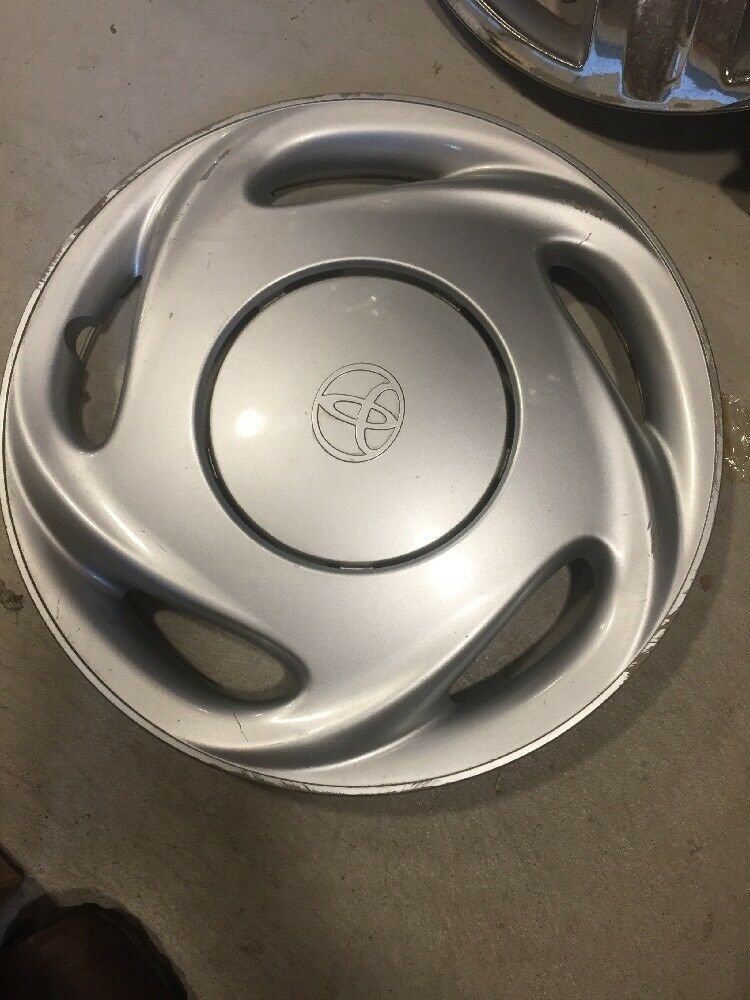 Details About 1 1998 1999 2000 Toyota Corolla Hubcap Wheel Cover O E 14 Wheelcover