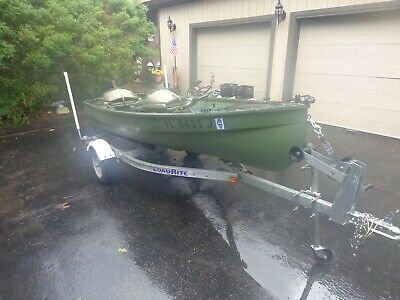 1955 ANTIQUE LARSON 12' RESTORED FISHING BOAT WITH 2005  LOAD RITE TRAILER+ MORE