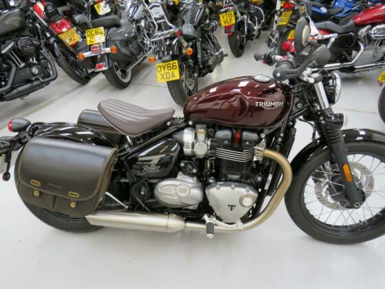 Triumph Bonneville Bobber 1200  2017 reg bike  631 miles from new superb