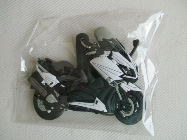PORTE CLEF  YAMAHA T MAX  SCOOTER    7,5 cm X 5,5 CM