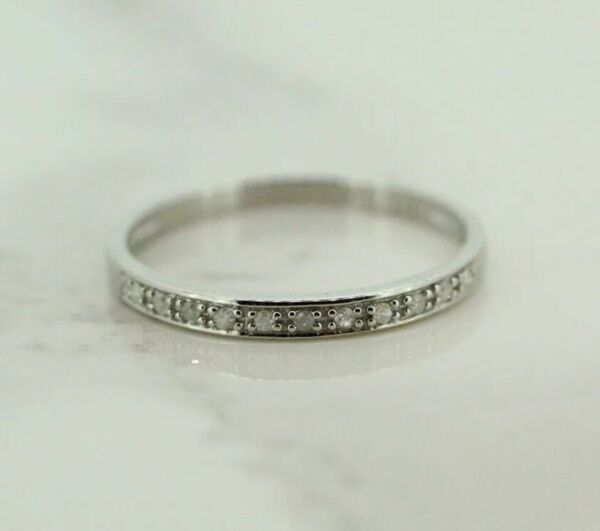 9ct White Gold Diamond Eternity/Stackable Ring (Size N)