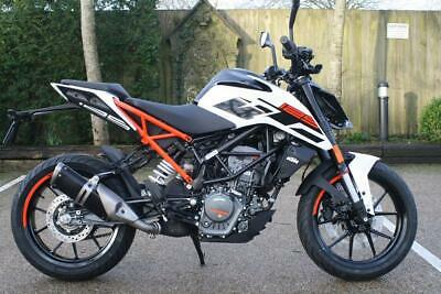 KTM 125 DUKE MY 20 IN WHITE 2020 KTM DUKE 125 MY20 IN WHITE STANDARD BIKE