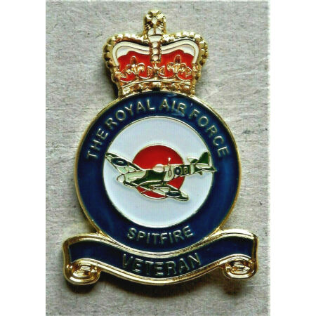 img-V-DAY 1945 - 2020 MILITARY ENAMEL BADGE RAF *SPITFIRE* VETERAN POPPY DAY