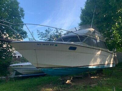 1982 BAYLINER CONTESSA 28' NO TRAILER (MA APPT 82)