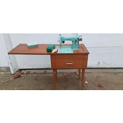 Kyпить Vintage turquoise white sewing machine and cabinet # 1514 на еВаy.соm