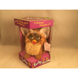 Kyпить First Run Giraffe Furby Gold Spots & Tan Belly Model #70-800 ABSOLUTELY MINT! на еВаy.соm