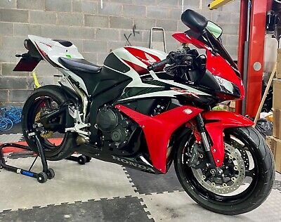2009/59 HONDA CBR 600 RR 8400 MILES FROM NEW PX CREDIT CARD VIA PAYPAL ACCEPTED