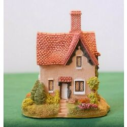 Lilliput Lane ''Gamekeepers Cottage'' Mint in original box with deed. Signed piece