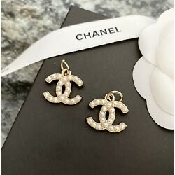 Kyпить Set Of 2 Stamped CHANEL Faux Pearl Gold Metal Zipper Pull 19mm на еВаy.соm